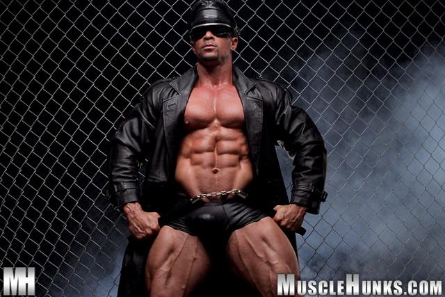 Nude-gay-bodybuilder-Eddie-Camacho-01gay porn-pics-photo