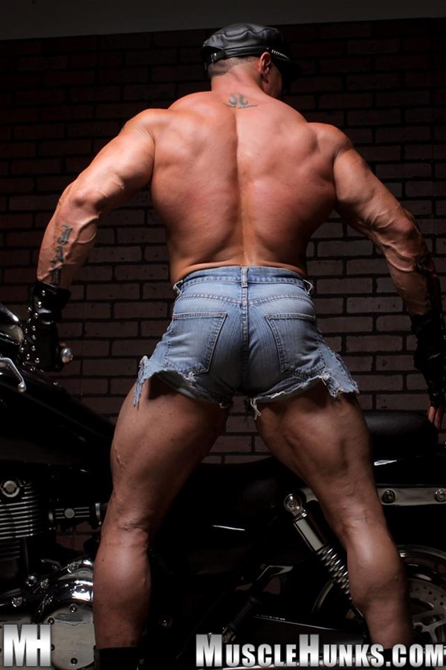 Nude-gay-bodybuilder-Eddie-Camacho-06gay porn-pics-photo