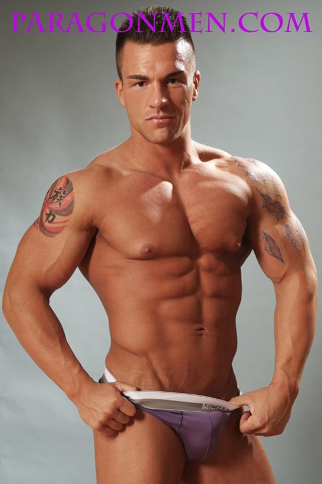 Gay-porn-pics-04-Muscled-sex-bodybuilder-Braden-Charron-Paragon-Men-all-american-boy-naked-muscle-men-nude-bodybuilder-photo