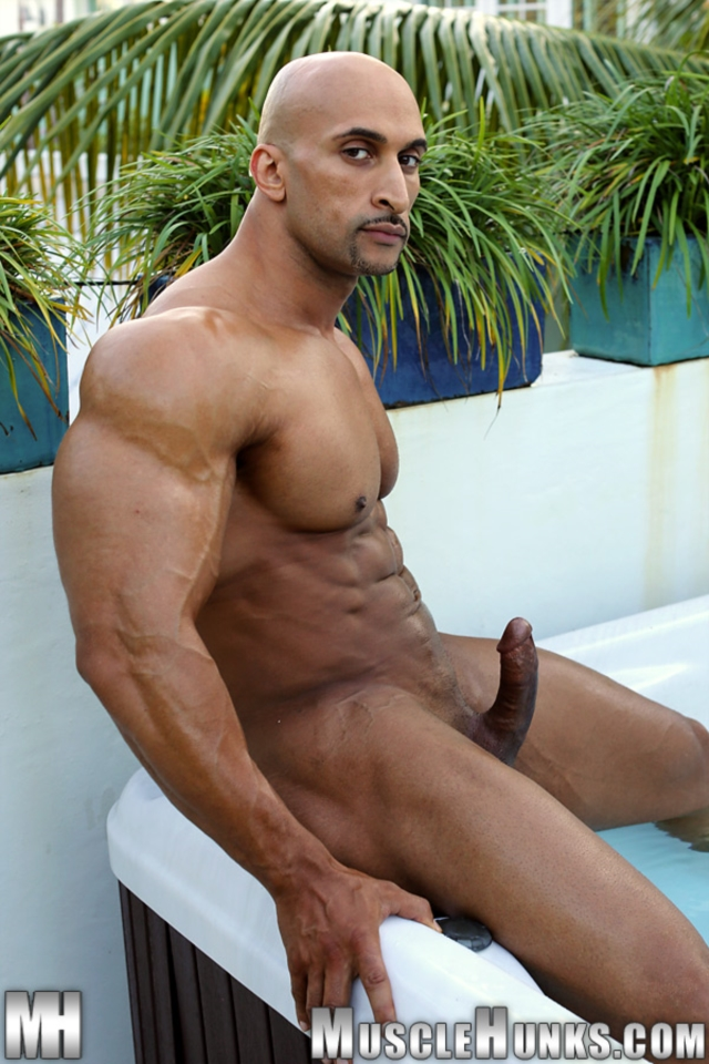 Rico-Cane-Muscle-Hunks-nude-gay-bodybuilders-porn-muscle-men-muscled-hunks-big-uncut-cocks-tattooed-ripped-09-pics-gallery-tube-video-photo