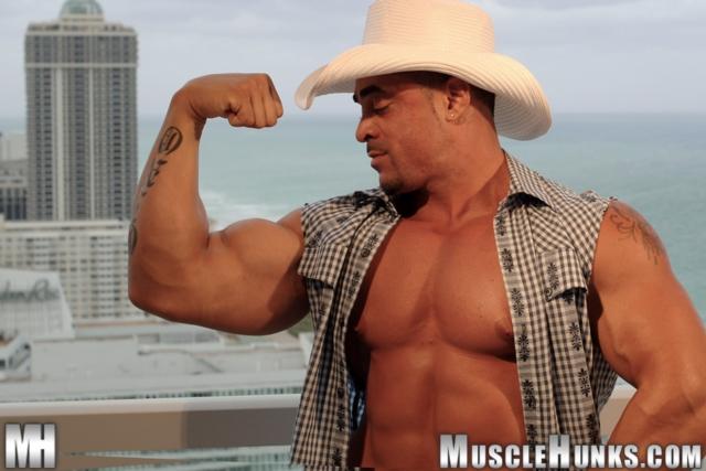 Eddie-Camacho-Muscle-Hunks-nude-gay-bodybuilders-porn-muscle-men-muscled-hunks-big-uncut-cocks-tattooed-ripped-06-gallery-video-photo