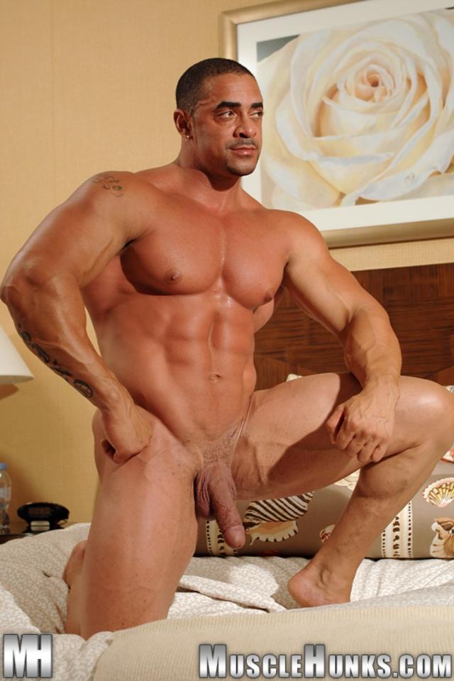 Eddie-Camacho-Muscle-Hunks-nude-gay-bodybuilders-porn-muscle-men-muscled-hunks-big-uncut-cocks-tattooed-ripped-11-gallery-video-photo