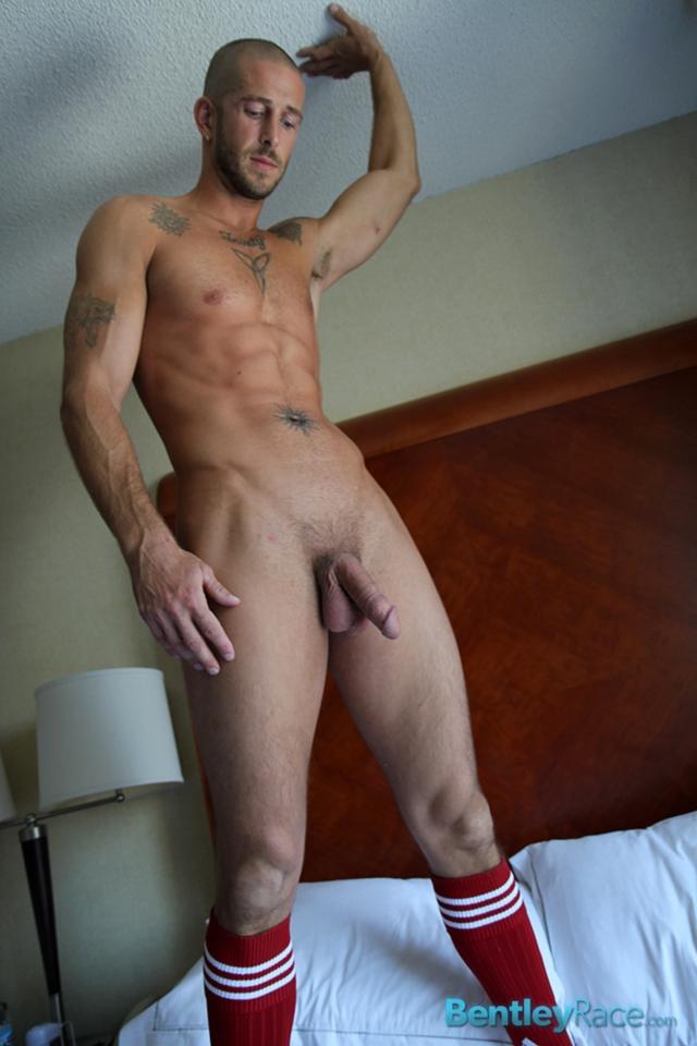 Mark-Green-bentley-race-bentleyrace-nude-wrestling-bubble-butt-tattoo-hunk-uncut-cock-feet-gay-porn-star-11-gallery-video-photo - copia