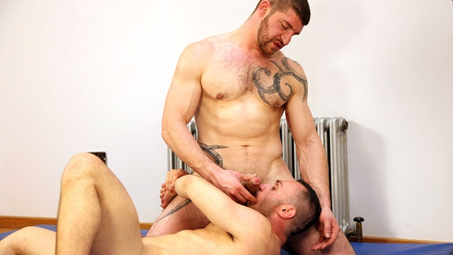 Jeff-Stronger-and-Robin-Fanteria-Butch-Dixon-hairy-men-gay-bears-muscle-cubs-daddy-older-guys-subs-mature-male-sex-porn-011-gallery-video-photo