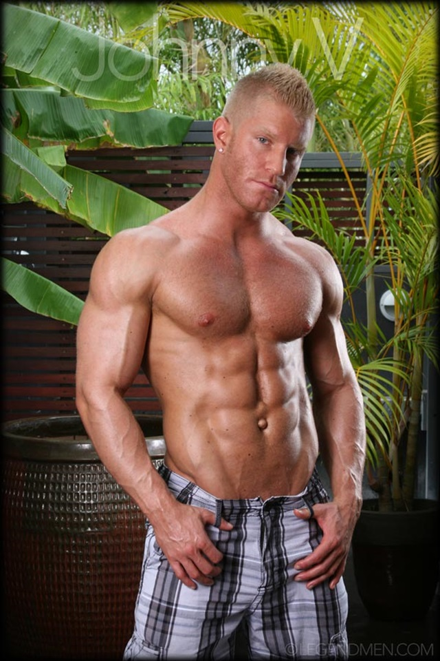 Johnny-V-Legend-Men-Gay-Porn-Stars-Muscle-Men-naked-bodybuilder-nude-bodybuilders-big-muscle-huge-cock-004-gallery-video-photo