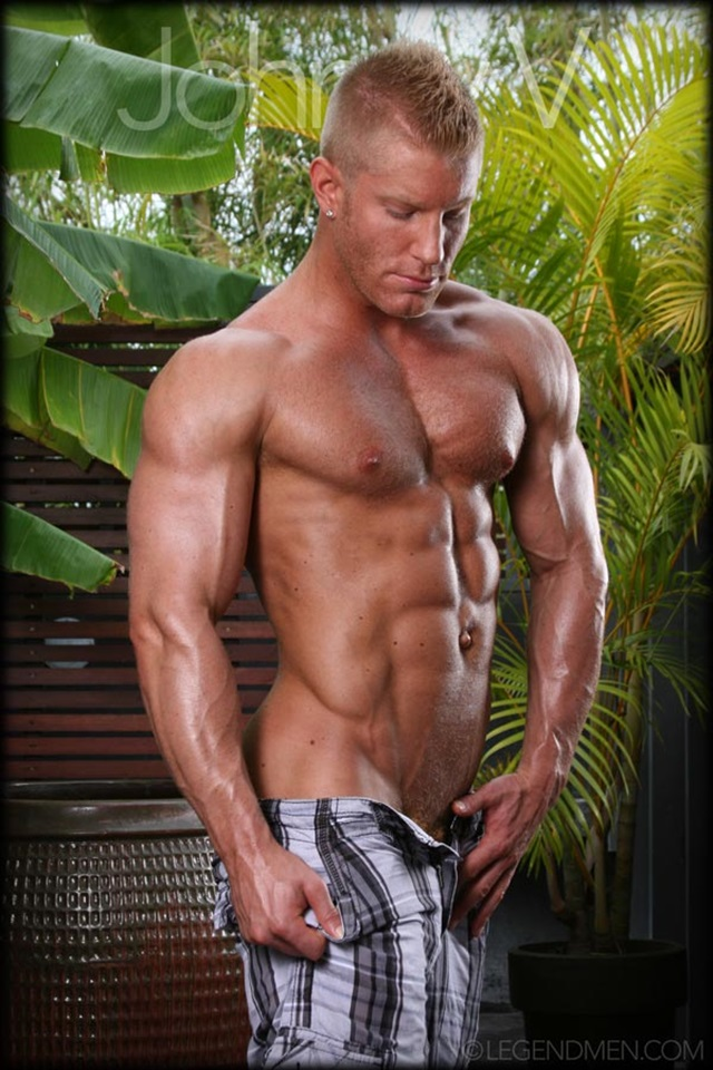 Johnny-V-Legend-Men-Gay-Porn-Stars-Muscle-Men-naked-bodybuilder-nude-bodybuilders-big-muscle-huge-cock-006-gallery-video-photo