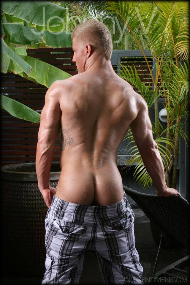 Johnny-V-Legend-Men-Gay-Porn-Stars-Muscle-Men-naked-bodybuilder-nude-bodybuilders-big-muscle-huge-cock-008-gallery-video-photo