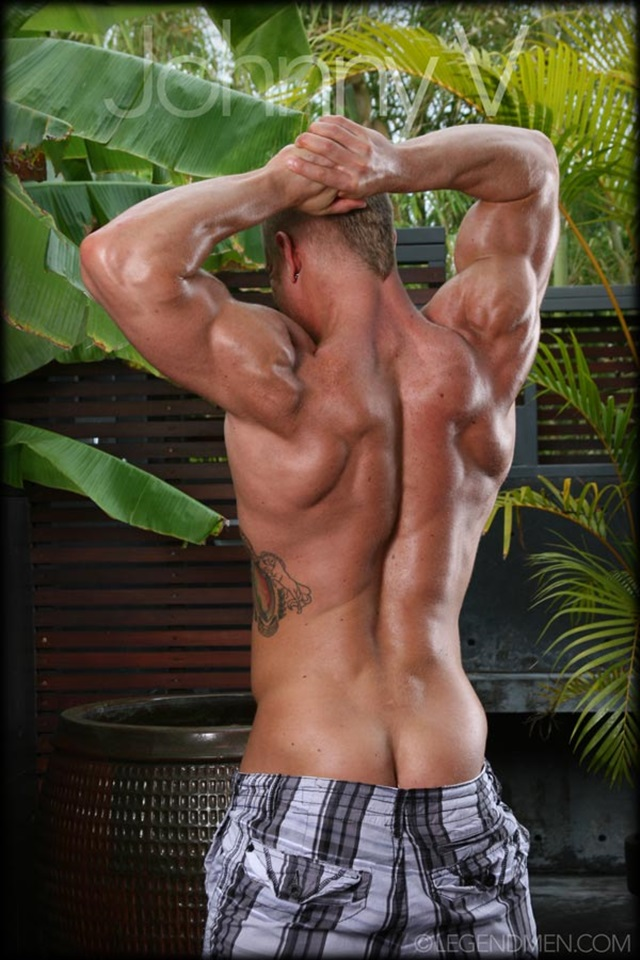 Johnny-V-Legend-Men-Gay-Porn-Stars-Muscle-Men-naked-bodybuilder-nude-bodybuilders-big-muscle-huge-cock-011-gallery-video-photo