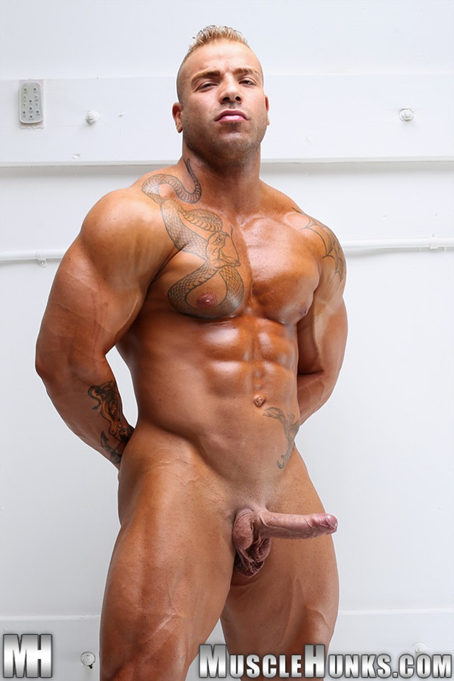 Max-Hilton-Muscle-Hunks-nude-gay-bodybuilders-porn-muscle-men-xvideos-xtube-hunks-big-uncut-cocks-jockstrap-013-male-tube-red-tube-gallery-photo