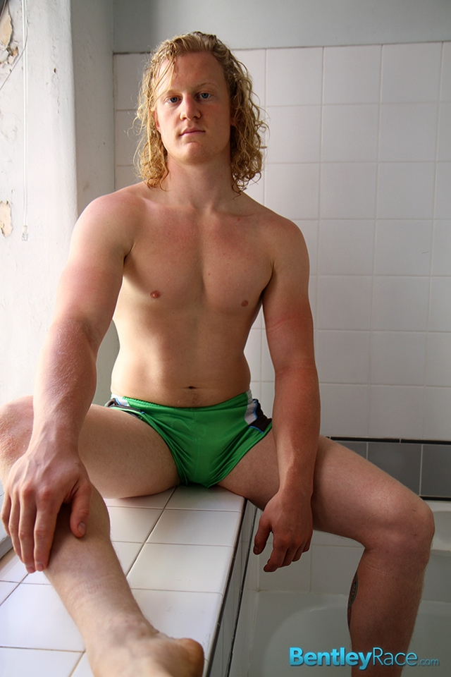 BentleyRace-Shane-Phillips-smooth-ass-cheeks-silky-shorts-cycling-nicest-bums-straight-stripping-naked-006-male-tube-red-tube-gallery-photo