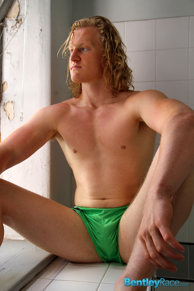 BentleyRace-Shane-Phillips-smooth-ass-cheeks-silky-shorts-cycling-nicest-bums-straight-stripping-naked-007-male-tube-red-tube-gallery-photo