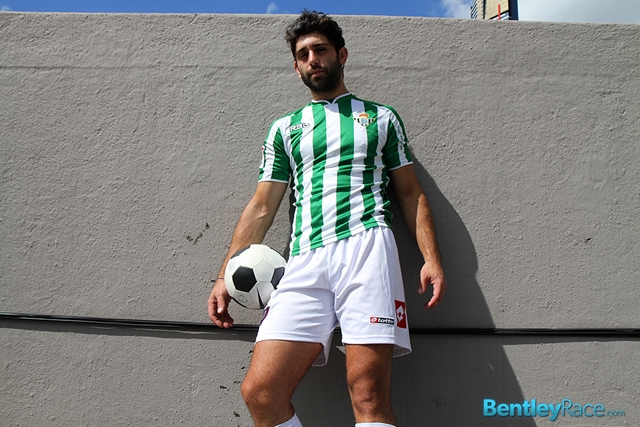 BentleyRace-24-year-old-straight-Adam-El-Shawar-nude-footballer-player-soccer-footie-kit-Bubble-butt-001-male-tube-red-tube-gallery-photo
