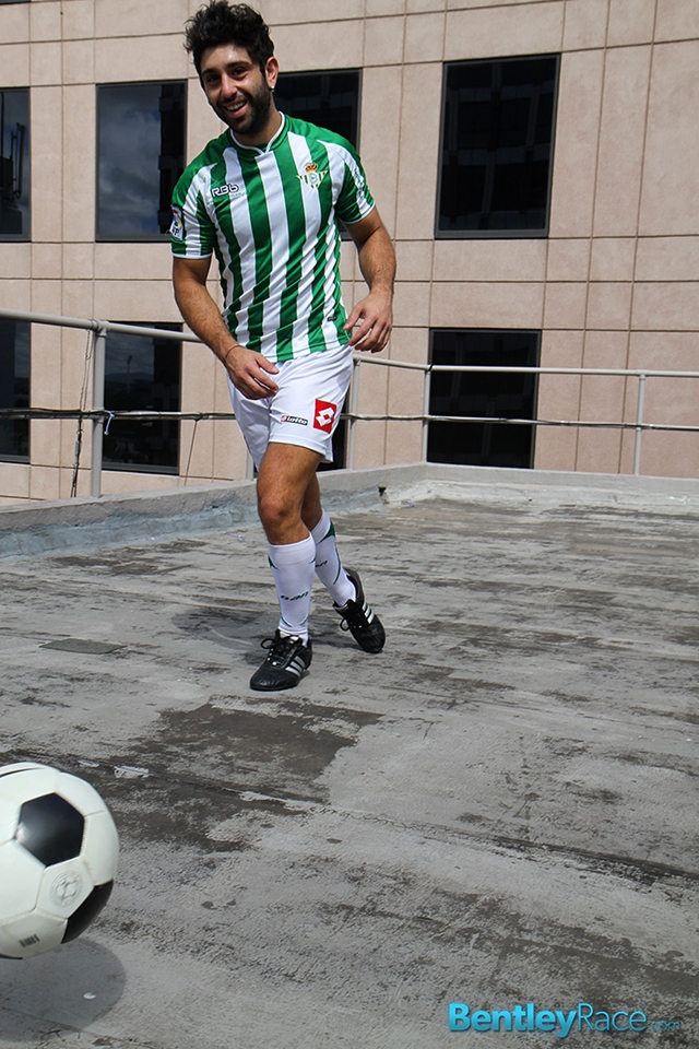BentleyRace-24-year-old-straight-Adam-El-Shawar-nude-footballer-player-soccer-footie-kit-Bubble-butt-008-male-tube-red-tube-gallery-photo