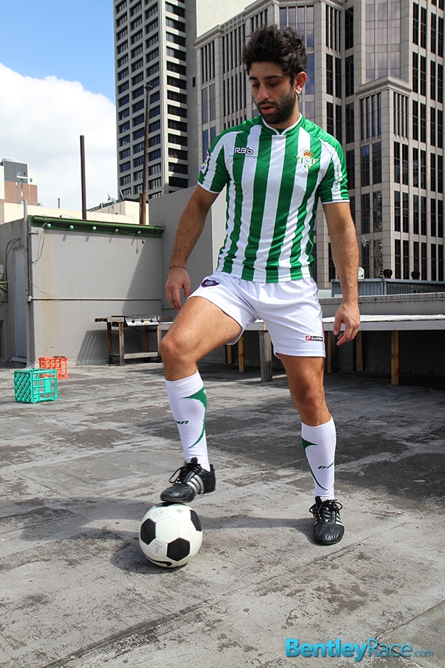 BentleyRace-24-year-old-straight-Adam-El-Shawar-nude-footballer-player-soccer-footie-kit-Bubble-butt-010-male-tube-red-tube-gallery-photo
