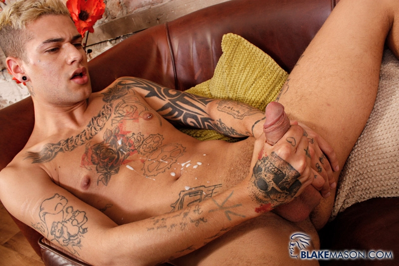 BlakeMason-Mickey-Taylor-handsome-sexy-young-man-ink-tattoo-male-model-massive-uncut-cock-underwear-fetish-wanking-solo-016-tube-download-torrent-gallery-photo