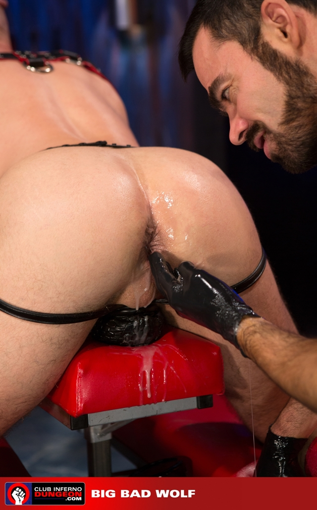 Club-Inferno-Drew-Sebastian-rides-giant-bullet-shaped-butt-plug-Jordan-Foster-fist-ass-fucks-012-male-tube-red-tube-gallery-photo
