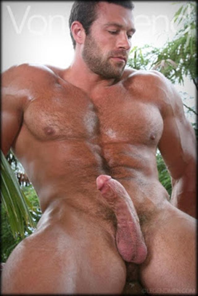 Legend-Men-nude-bodybuilder-bearded-hairy-chested-hunk-Von-Legend-aka-Matt-Davis-strips-bare-big-muscle-dick-003-male-tube-red-tube-gallery-photo