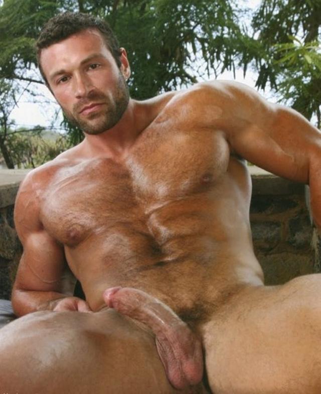 Legend-Men-nude-bodybuilder-bearded-hairy-chested-hunk-Von-Legend-aka-Matt-Davis-strips-bare-big-muscle-dick-004-male-tube-red-tube-gallery-photo