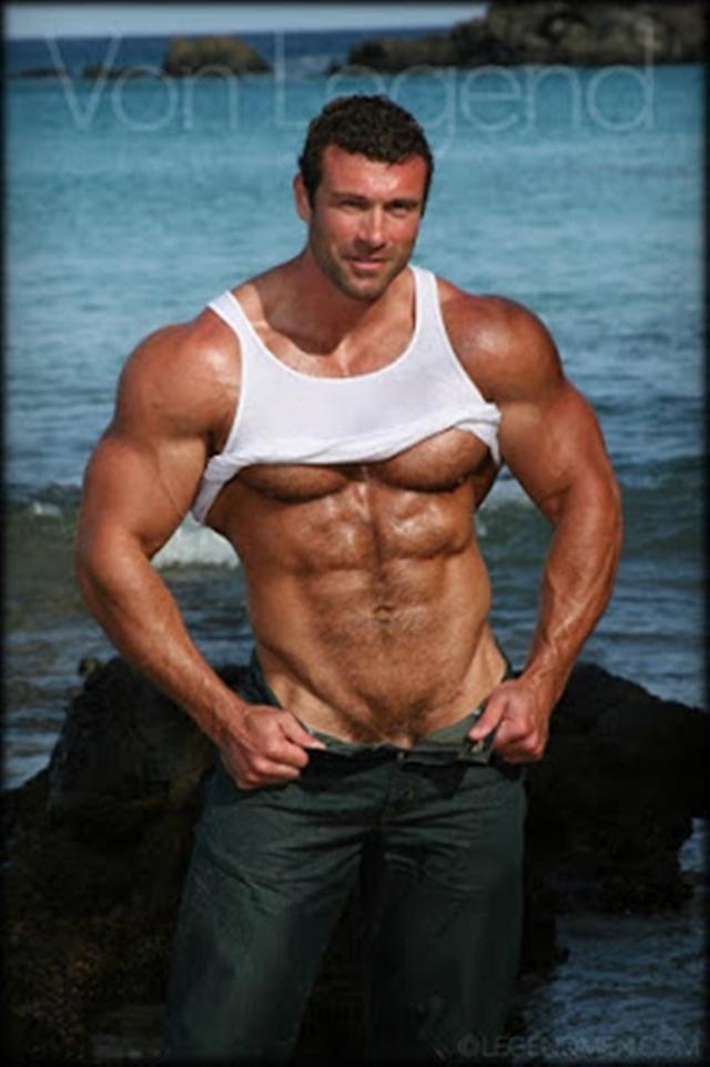 Legend-Men-nude-bodybuilder-bearded-hairy-chested-hunk-Von-Legend-aka-Matt-Davis-strips-bare-big-muscle-dick-011-male-tube-red-tube-gallery-photo