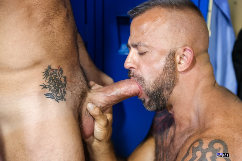 MenOver30-Vic-Rocco-Jon-Galt-locker-room-smelly-armpit-hairy-chest-hot-gym-toned-men-ass-fucking-006-tube-download-torrent-gallery-photo