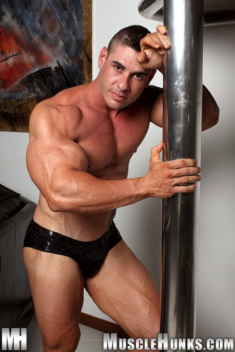 MuscleHunks-Huge-muscled-naked-bodybuilder-Brian-Gunns-g-string-Tattoo-oiled-muscular-torso-underwear-big-bubble-butt-meaty-ass-cheeks-008-tube-download-torrent-gallery-photo