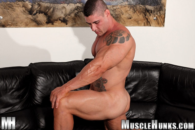 MuscleHunks-Huge-muscled-naked-bodybuilder-Brian-Gunns-g-string-Tattoo-oiled-muscular-torso-underwear-big-bubble-butt-meaty-ass-cheeks-016-tube-download-torrent-gallery-photo