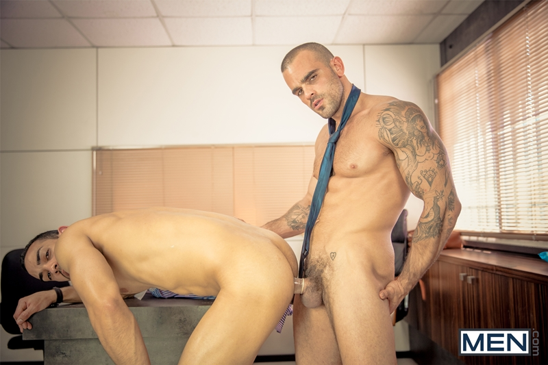 Men-com-horny-muscle-tattoo-stud-Damien-Crosse-big-dick-sexy-guy-Juan-Lopez-man-blowjob-fucks-ass-hole-hard-dick-011-tube-download-torrent-gallery-sexpics-photo