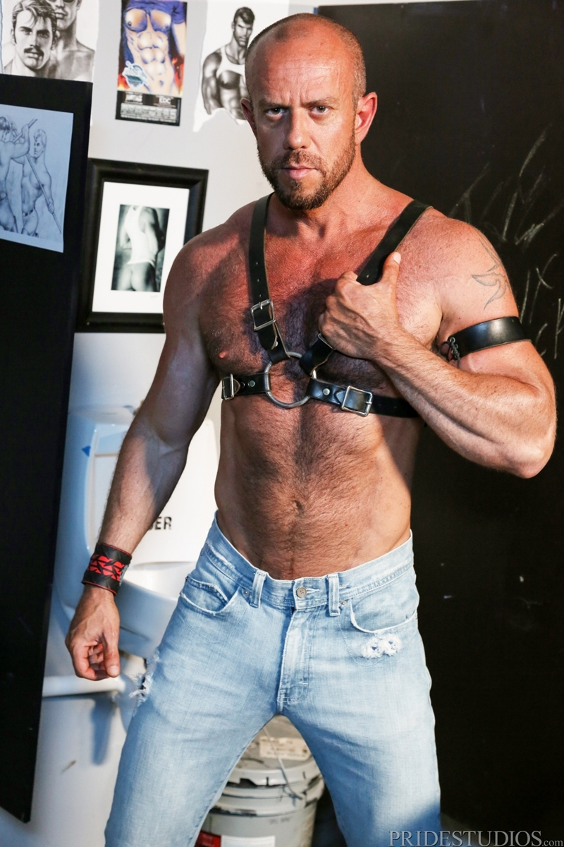 HighPerformanceMen-Big-muscle-daddy-Matt-Stevens-leather-harness-hairy-chest-tattooed-young-punk-Bradley-Boyd-002-tube-video-gay-porn-gallery-sexpics-photo