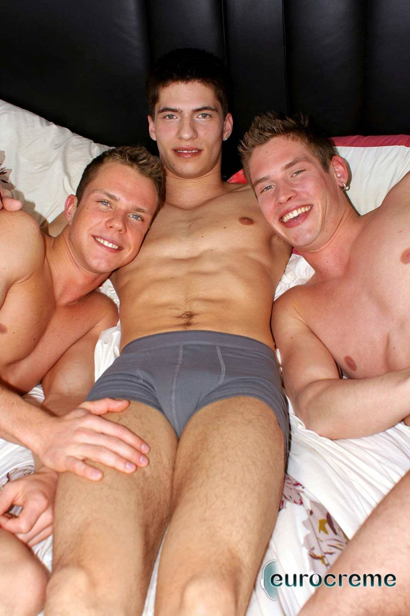 Eurocreme-Johan-Nic-Richard-gorgeous-young-men-horny-threesome-hottest-mutual-dick-sucking-spit-roasting-fucking-huge-loads-002-gay-porn-video-porno-nude-movies-pics-porn-star-sex-photo