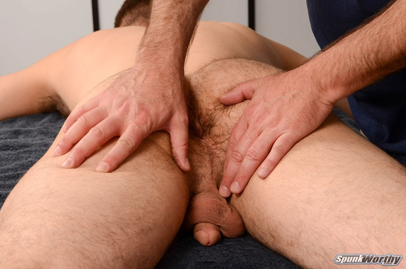 Straight guy massage pops woody happy ending 4