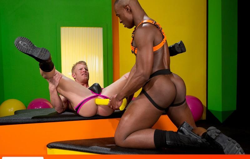 Hottest power bottom Johnny V  gives top stud Tyson Tyler full access