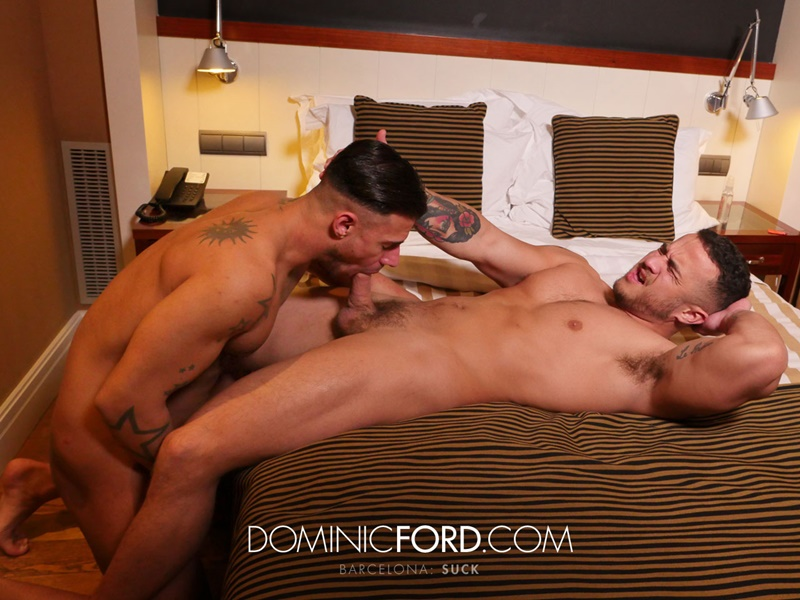 Hot muscle stud Alex Graham tops Sergio's tight muscular asshole