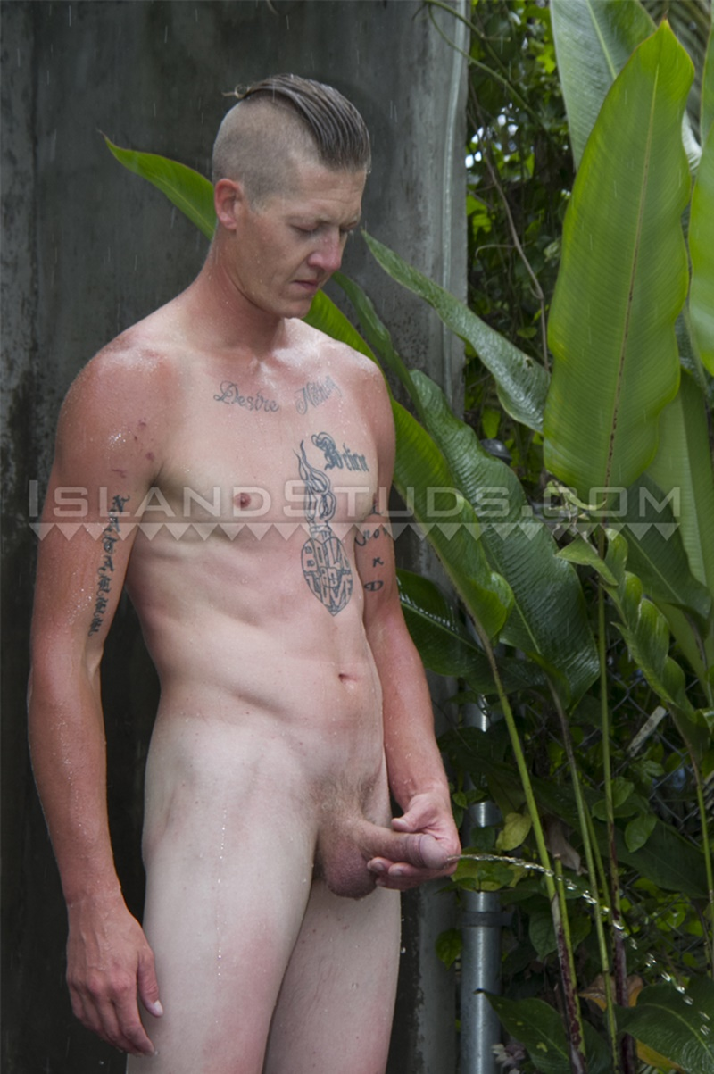 IslandStuds-LOVES-BIG-COCK-Tate-sexy-friendly-smile-strokes-monster-9-inch-dick-jerking-huge-cum-load-ripped-smooth-abs-tattoo-shaved-head-009-gay-porn-sex-gallery-pics-video-photo