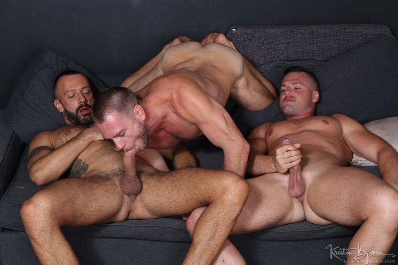 Barebacking threesome Hans Berlin, Gabriel Lunna and Alberto Esposito