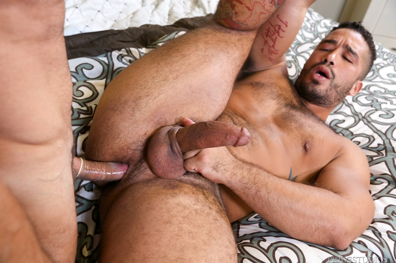 MenOver30-naked-muscle-men-Trey-Turner-anal-fucked-Armando-De-Armas-BF-huge-dick-big-hairy-ass-cheeks-cocksucker-ass-fucking-orgy-015-gay-porn-sex-gallery-pics-video-photo