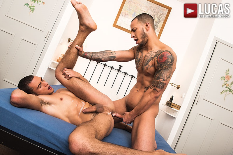 LucasEntertainment-hot-naked-thug-Giovanni-Matrix-bareback-fucks-Javi-Velaro-raw-bare-cock-huge-anal-rimming-ass-play-ripped-muscle-dudes-020-gay-porn-sex-gallery-pics-video-photo