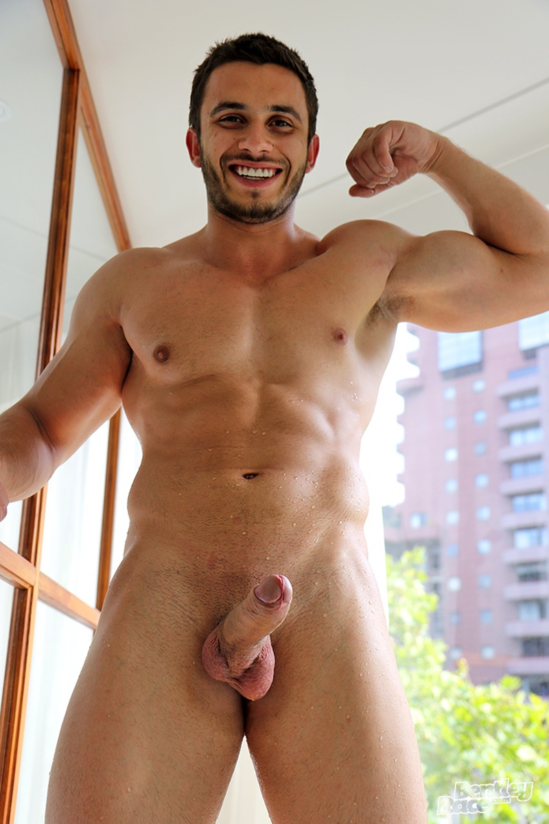 bentleyrace-sexy-young-australian-muscle-cub-stud-handsome-hunk-aussie-james-nowak-jerks-huge-thick-uncut-dick-hot-tub-cumshot-023-gay-porn-sex-gallery-pics-video-photo