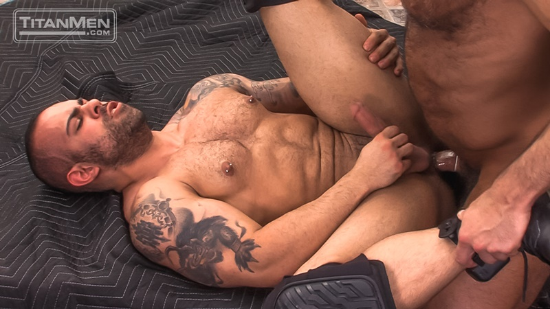 titanmen-naked-older-matur-muscle-men-parole-officer-jesse-jackman-fucks-ass-parolee-lorenzo-flexx-big-thick-long-dick-cocksucker-018-gay-porn-sex-gallery-pics-video-photo