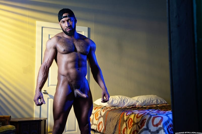 Men for Men Blog Jay-Landford-Lorenzo-Flexx-bareback-fucking-big-black-cock-muscle-ass-hole-RagingStallion-006-gay-porn-pictures-gallery Jay Landford takes ownership of Lorenzo Flexx's hole with passionate kisses and long driving thrusts of his raw glistening cock Raging Stallion