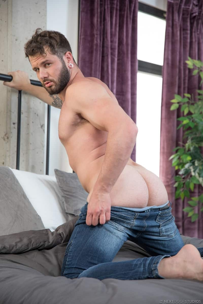 Men for Men Blog Dante-Colle-Johnny-Hill-huge-cock-tight-bubble-butt-ass-hole-anal-fucking-NextDoorStudios-004-gay-porn-pictures-gallery Dante Colle works his huge cock into Johnny Hill's tight bubble butt ass hole Next Door World