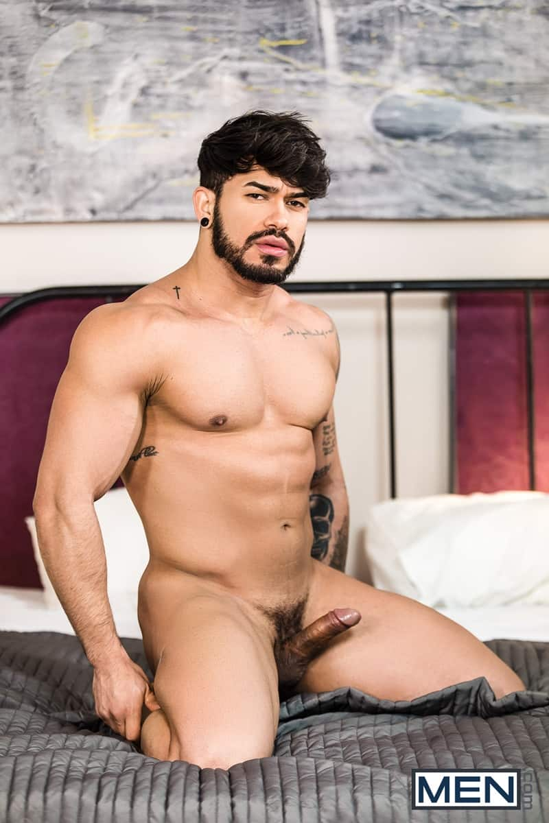 Men for Men Blog Gay-Porn-Pics-009-Damon-Heart-Pietro-Duarte-huge-dick-hardcore-balls-deep-fucking-bubble-butt-arse-hole-Men Damon Heart's huge dick hardcore balls deep fucking Pietro Duarte's juicy bubble butt Men
