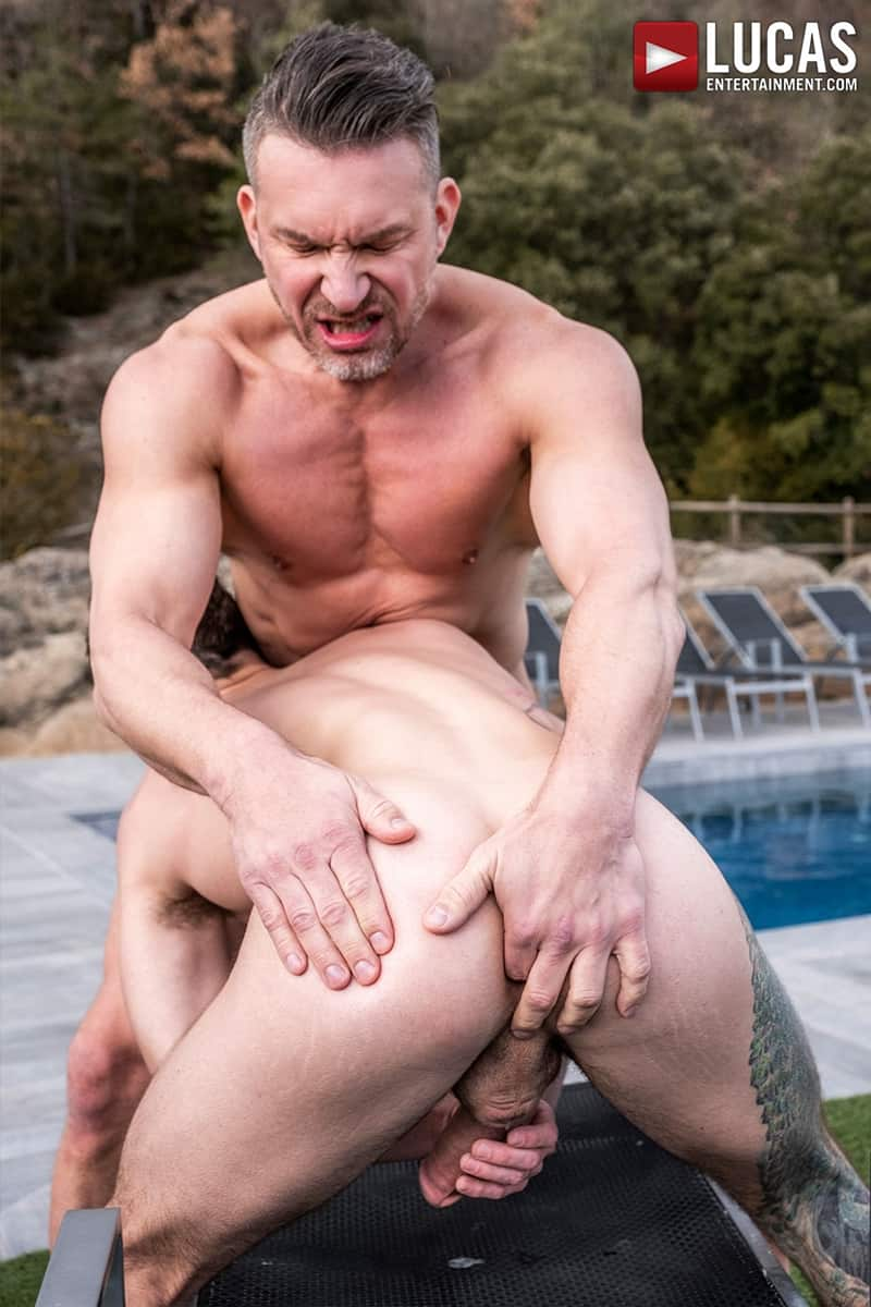Muscle-Daddy-Tomas-Brand-bareback-fucks-Drake-Rogers-hot-bubble-butt-Ass-LucasEntertainment-024-Gay-Porn-Pics